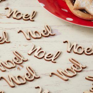 25 stk Noel-Bordkonfetti i Tre - Juleglede