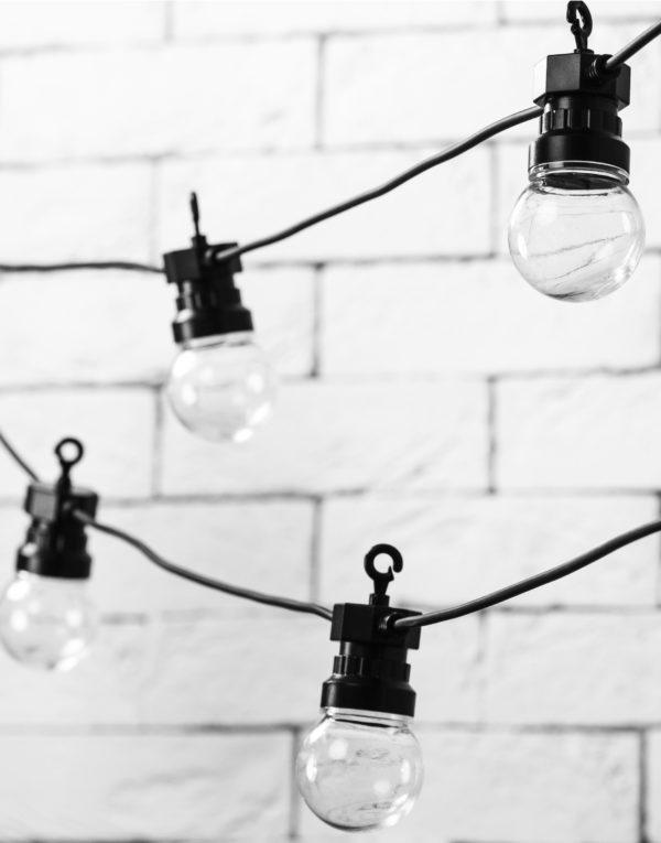 Lyslenke med 10 stk Store Varm-Hvite LED Lyspærer 5 meter